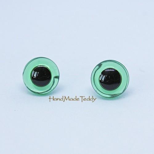 Глаза зелёные